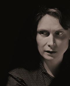 Katie Mitchell introduit une réflexion sur l'âge, la séduction, dans une bluette virtuose du XVIIIè siècle (photo Stephen Cumiskey DR)