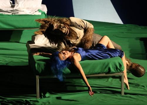 Per Caprici d'Oberon, Titania s'enamorarà dau premier vist a son revelh (photo Patrick Berger DR)