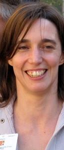 "Sofia Camard bailèja la tiera ecologista provençala fòra de tota aligança 'mé lo PS : ""volem parlar a l'elegeire"" (photo MN)"