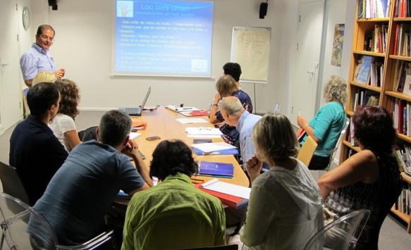Trois cours, chacun tous les quinze jours, permettent aux agents du CD13 d'apprendre le provençal (photo MN)