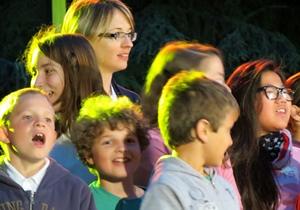 """Chanter, une activité ludique qui """"permet de s'imprégner d'une langue sans y penser"""" (photo MN)"""