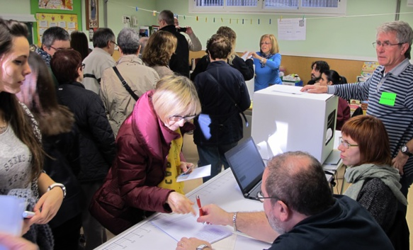 La Consulta du 9 novembre 2014 avait dégagé une majorité pro-indépendantiste en Catalogne d'Espagne. Elle avait déjà été considérée comme anticonstituionnelle par le TCE (photo MN)