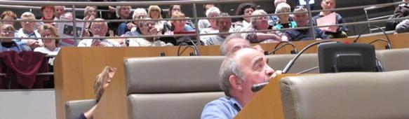 300 personnes de tous horizons ont participé aux débats du Forum d'Oc. La jauge de l'hémicycle n'a pas permis à beaucoup d'y entrer (photo MN)