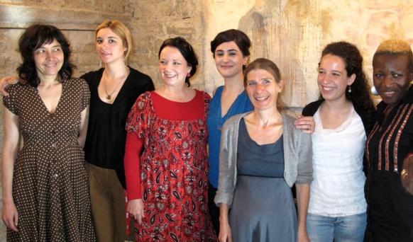 Les artistes réunies par Miquèu Montanaro, pour un débat animé par le journaliste Franck Tenaille (photo MN)