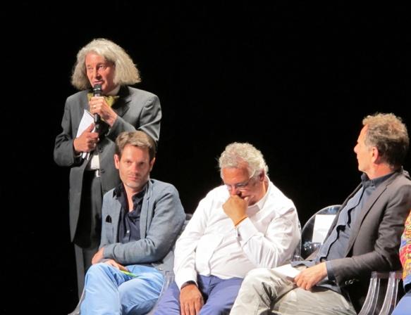 Le baile du Félibrige siégera parmi un cénacle de directeurs de théâtres et festivals entre autres. Notamment ici Charles Berling (Théâtre Liberté de Toulon, 2è à g.) Photo MN