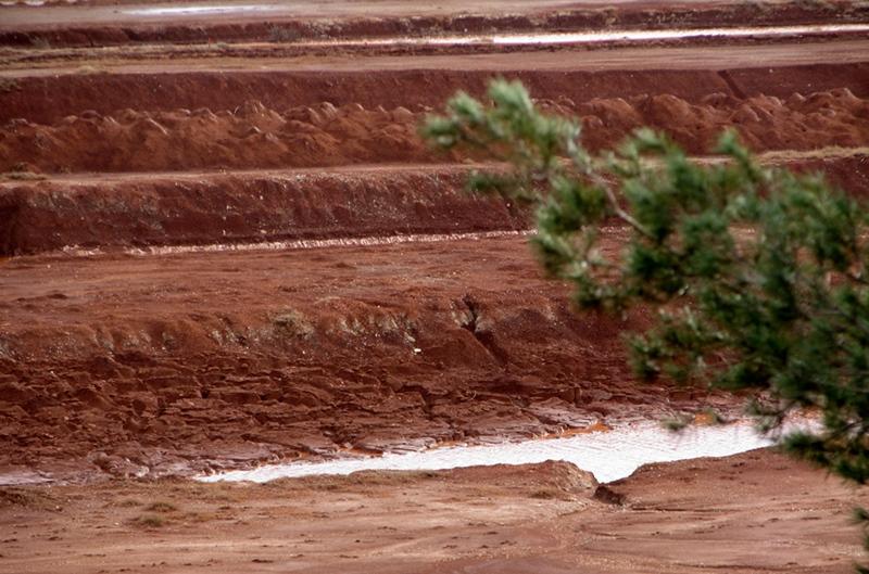 C'est en recherchant les particules d'alumine chargées d'éléments chimiques s'envolant du site de Mange Garri, que l'étude a mis en lumière une autre pollution, plus importante (photo MN)