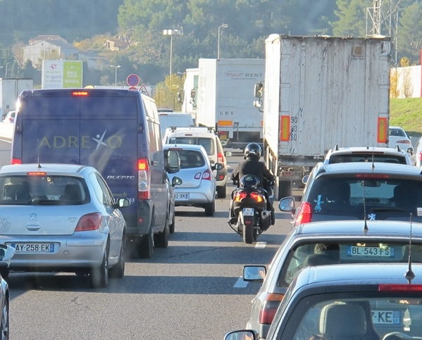 15%,du trafic autoroutier mais plus de 30% de la pollution; interdire la circulation des camions n'est pourtant pas envisageable actuellement (photo MN)