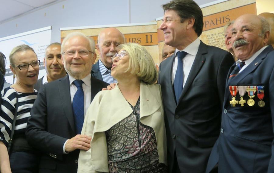 de g à d : la sénatrice LR Sophie Joissains, le député LR Christian Kert, la maire d'Aix LR Maryse Joissains, et le maire de Nice (mais alors encore pdt du Conseil Régional) Christian Estrosi (photo MN)