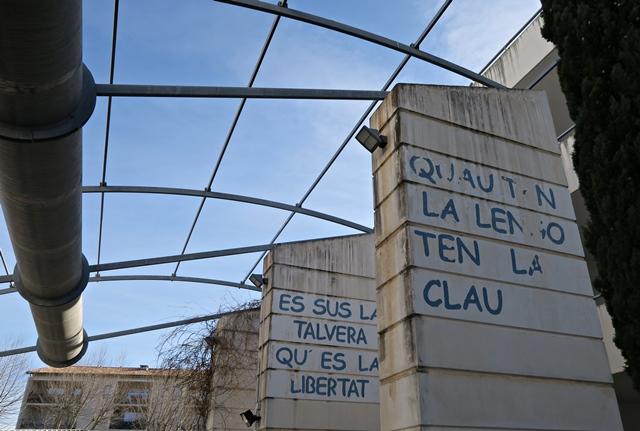 Lycée de l'Arc, Orange (84). l'affirmation de Mistral s'efface avec les cours de langue dans l'enseignement public comme privé (photo MN)
