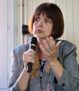 Nathalie Ponce-Gassier, l'élue du CD04 déléguée à la langue et culture régionale, souhaite d'abord donner envie aux habitants de toutes origines de se réapproprier ce trésor de communication qu'est la langue d'oc. Elle conduit une politique tracée par un Schéma départemental d'actions, adopté fin 2016, et qui doit être évalué ce printemps (Photo MN)