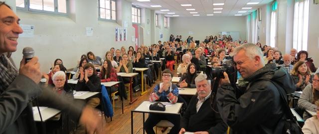 """La """"Dictada"""" annuelle en 2017 au lycée Masséna à Nice. Une démonstration de force avec 250 """"afogats"""" capables d'écrire le niçois sous les yeux des élus locaux (photo RM)"""