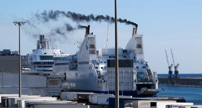 Un ferry de la Compagnie Méridionale de Navigation à quai à Marseille en 2014 (photo MN)