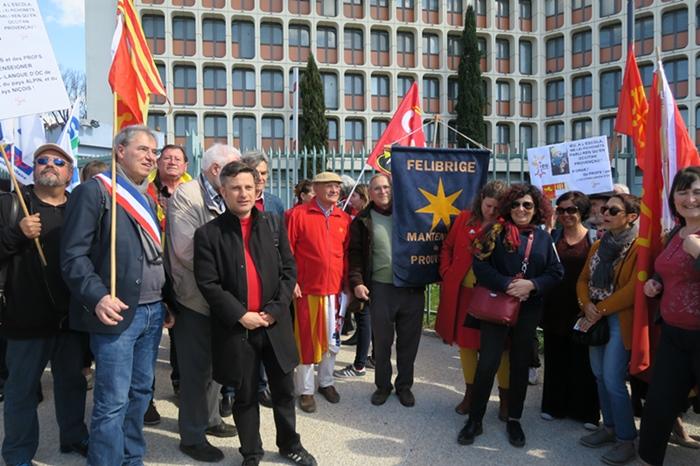 20 mars 2019, premier rassemblement devant le Rectorat d'Aix-Marseille (photo MN)