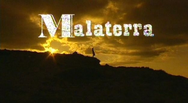 Grand prix du festival du film de Barcelona en 2005, Malaterra, où les faux semblants de la grande guerre dans un village du Jabron en Haute-Provence (photo