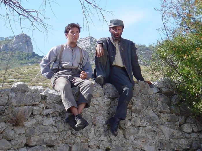 Sur le tournage de Malaterra, Laurenç Revest est à gauche (photo Comic Strip Productions DR)
