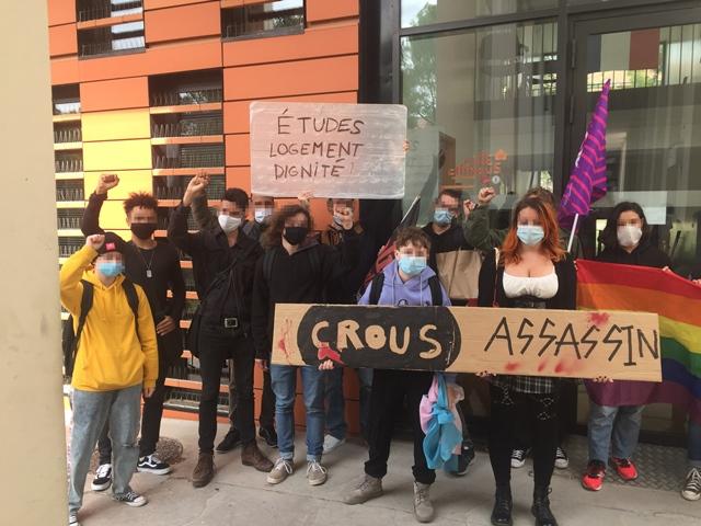 Devant le Crous d'Aix-en-Provence, le 28 septembre (photo Artús Pato DR)