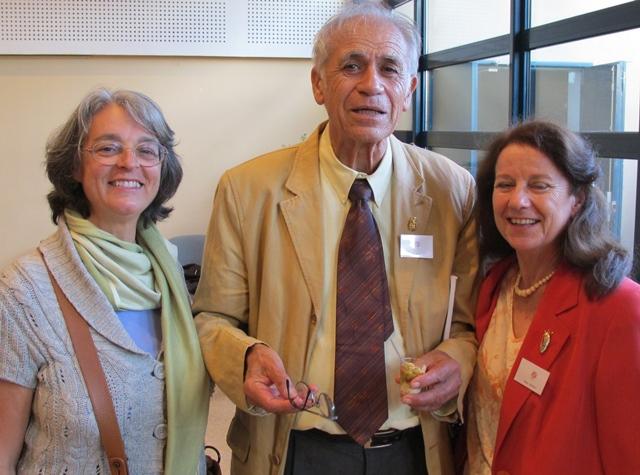 En 2007, au Grand Prix littéraire de Provence, qu'il a reçu l'an d'avant, en compagnie de Viviano Roux (g) et Claudeto Occelli (d) (Photo MN)