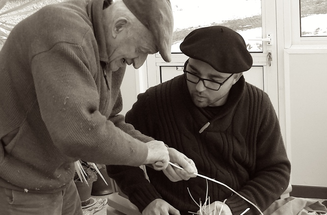 Pratiques traditionnelles de vannerie, avec Lissandre Varena (photo LV DR)