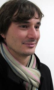 """Pierre Costa, à Toulon : """"Il y a une demande d'un secteur associatif, comment le politique répondra-t-il à cette vitalité ?"""" (photo MN)"""
