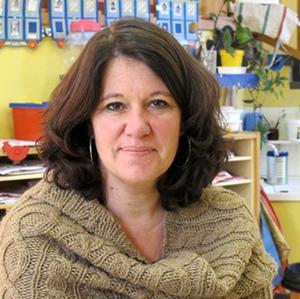 """""""Ce qui est appréciable c'est d'être soutenues par une équipe de conseillers qui nous ont fait gagner beaucoup de temps et fourni les outils pédagogiques nécessaires"""" . Annick Rochier, la directrice (photo MN)"""