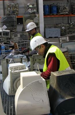 Levat dei servicis ai societats industrialas de tria, pauc d'emplec industriau per 2030 en Provença (photo MN)