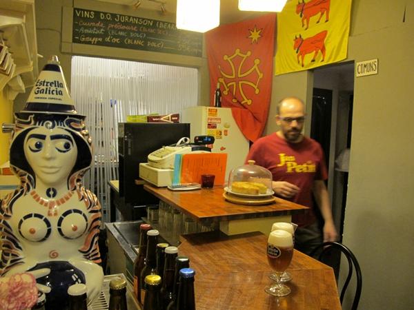A la Taverna Jan Petit, l'occitan est ostentatoire (photo MN)
