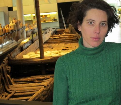 Sabrina Marlier a mené ou accompagné de nombreuses recherches sur le chaland le mieux conservé de l'antiquité romaine (photo MN)
