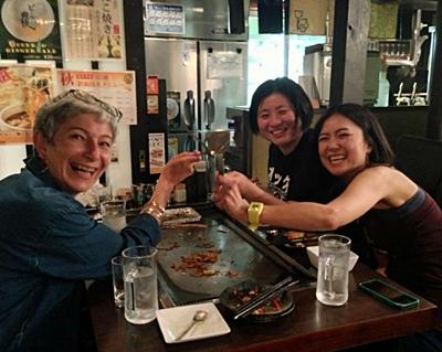 L'occitan arriba au Japon 'mé la lenga, mai tanben 'mé l'alhòli...que ditz pas son nom ailà (photo XDR)