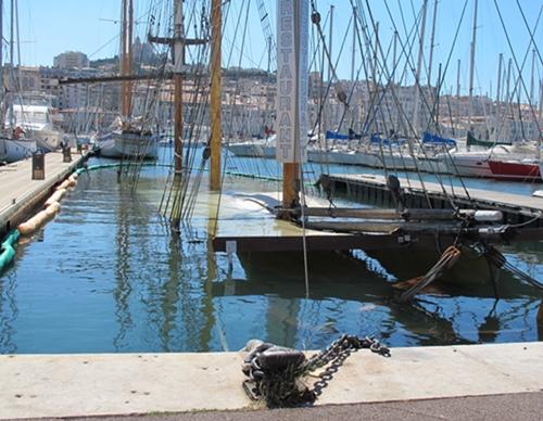Coulé pour cause d'usure le 11 septembre 2013, le Maseillois sera démantelé (photo MN)
