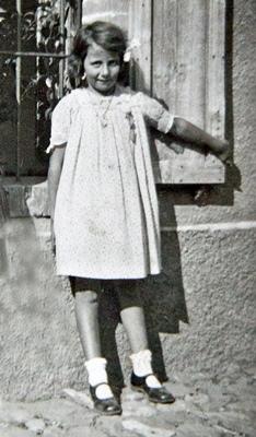 Vivian Maier enfant, à Saint-Bonnet ou à Saint-Julien, dans les années 1930. C'est là qu'elle entendra l'occitan, et s'en souviendra longtemps (photo coll. 'Sylvain Jaussaud DR)