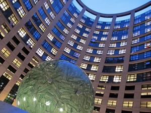 Plus de 700 députés européens, dont 74 français, doivent être élus le 25  mai, et siégeront durant 5 ans à Strasbourg (photo MN).