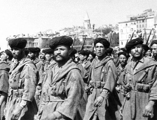 Les goumiers marocains participent largement à la libération de la cité phocéenne où les combats feront deux mille morts (photo XDR)
