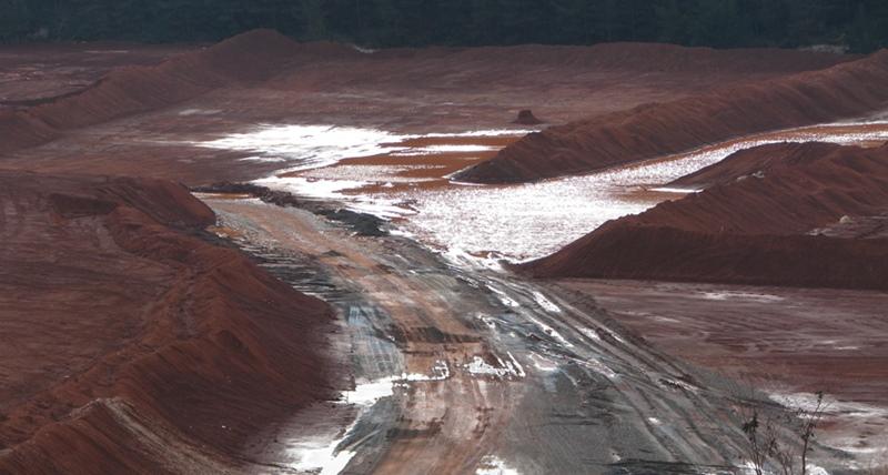 Le site gardannais de Mangegarri, dépôt de boues rouges, exploitable pour une quinzaine d'années (photo MN)