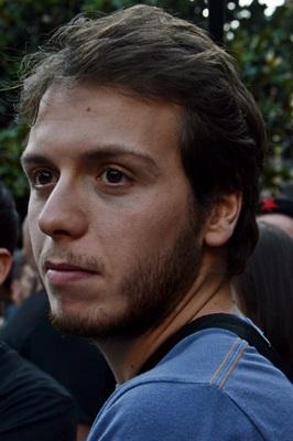 Julian Bonnefont, cò-organisaire d'un seminàri amé Marylise Lebranchu, es estudiant ai Estudis Politics de Paris.