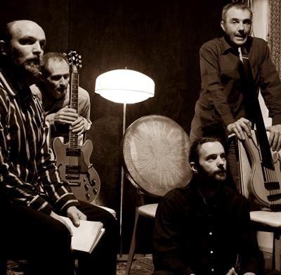 Le trio trad, augmenté du bassiste Yannick Laurent, évolue vers les musiques actuelles (photo XDR)