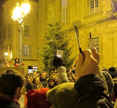Liberté de la presse ? Si elle est si essentielle elle doit être une cause nationale et être aidée en conséquence contre toutes les attaques. Ici à Aix le 7 janvier (photo MN)
