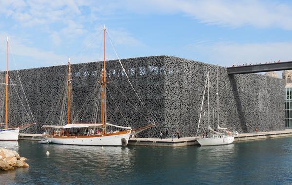Un geste architectural, la possibilité d'observer des yachts depuis le toit...c'est le Mucem qui a décidé le National Geographic à primer Marseille (photo MN)
