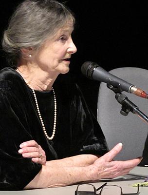 """Marie Rouanet : """"dans la cuisine de ma mère tout était limpide, rien de caché"""". Une école de la franche clarté pour cette écrivaine qui se définit comme """"terrienne"""" (photo MN)"""