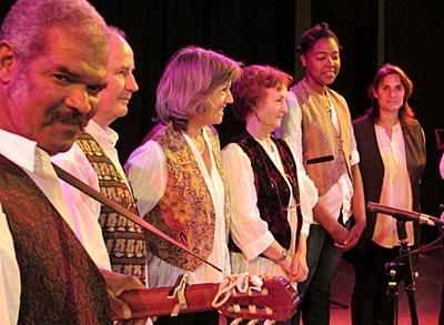 Le festival se tient à Cabris (83) et à Seillans (06) et accueille les groupes depuis les Valadas jusqu'au Rhône en général. Ici Capodastre, venu de St-Jeannet, dans la vallée de la Cagne (photo MN)