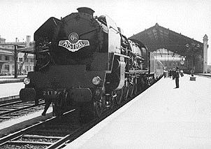 En 1948-49 le Mistral (ici en gare Saint-Charles à Marseille, roule encore au charbon (photo XDR)