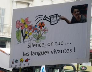 Latin et Grec ancien ont du souci à se faire, mais les langues pratiquées quotidiennement telles que l'allemand ou l'occitan tout pareil (photo Sara Laurens DR)