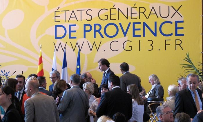 Les Etats Généraux ont été lancés le 18 juin à Marseille par Martine Vassal, la nouvelle présidente du CD13. Une période clé pour exprimer souhaits et projets, jusqu'en novembre. Un rendez-vous à ne pas manquer pour les promoteurs de l'occitan? (photo MN)