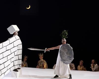 """Una peça dins la peça, l'intelligéncia dau """"Pantai"""" (photo Patrick Berger DR)"""