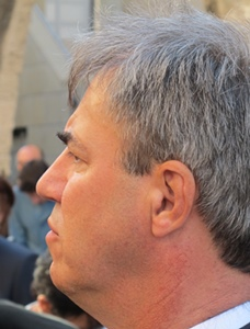 """Arvei Guerrera (POC) deçauput : """"Nos an impausat una estrategia pegada sus leis afaires nacionaus en plaça d'una politica duradissa per la Provença"""" (photo MN)"""