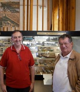 Bernard Schlag (à gauche) et Alain Poussielgue, gouvernent ce monde miniature aux 30 000 habitants de plomb et de plastique (photo AC DR)