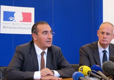 Les préfets Laurent Nunez et Stéphane Bouillon inquiets des rumeurs qui conduisent la police à rester inutilement sur les dents (photo MN)