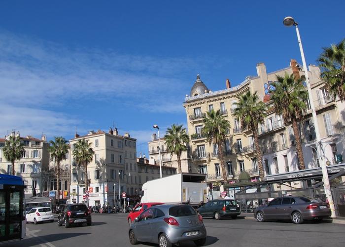 La place Castellane à Marseille a été le théâtre d'une agression islamophobe mercredi 18 novembre (photo MN)