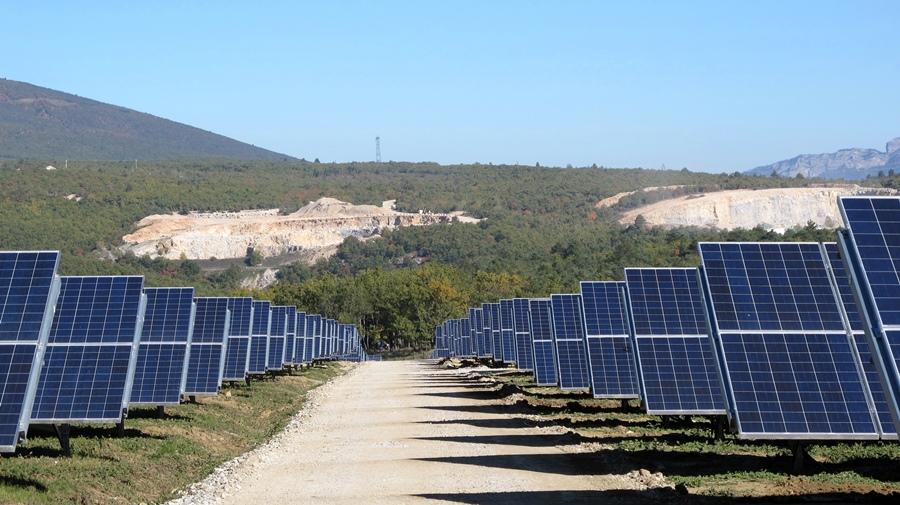 Les Cigalettes, à Peyruis : 20 ha de panneaux et un agriculteur à installer (photo MN)