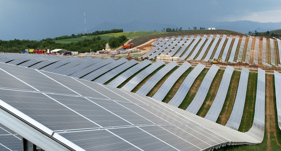 A quelques kms de Peyruis, les 200 ha du parc des Mées, lui lancé alors que le prix de rachat d'EDF était quatre fois supérieur (photo MN)
