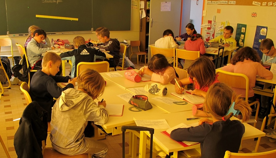 Chanter en provençal certes, mais apprendre la langue à l'école ? (Photo MN)